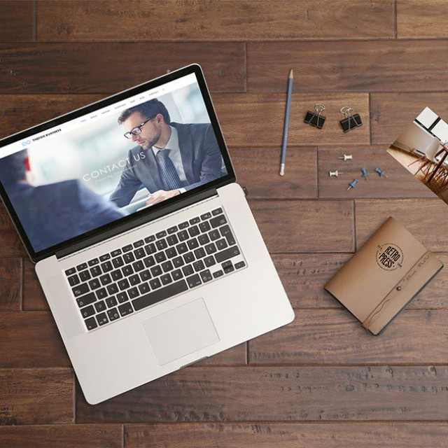 Free-Macbook-Pro-PSD-Mockup (1)